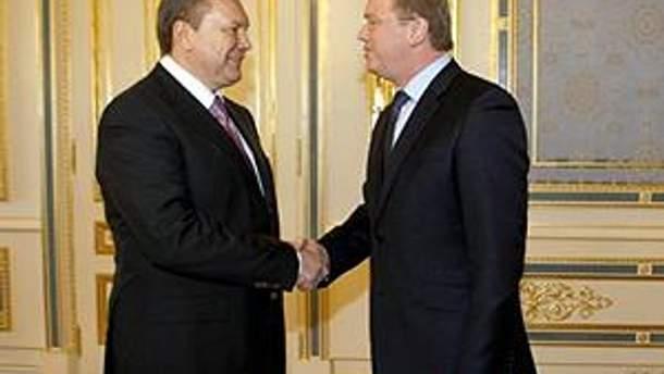 Виктор Янукович и Штефан Фюле.