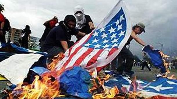 В Ираке жгут американские флаги