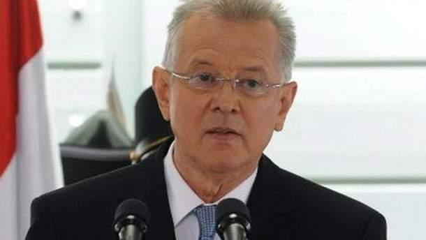 Пал Шмітт