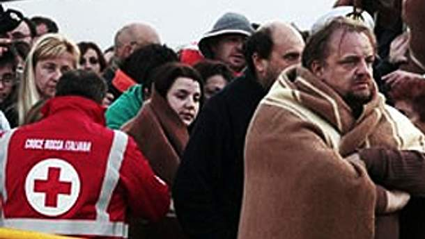 Майже всіх пасажирів Costa Concordia евакуювали