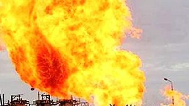 На нафтопроводі почалась сильна пожежа