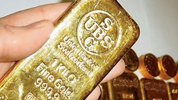 Золото побило ценовой рекорд в 2011 году