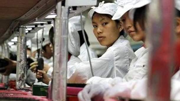 Робочий день на заводі Foxconn триває 14 годин