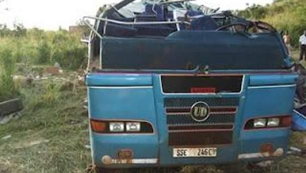 В Аргентине автобус вылетел в овраг, 11 погибших