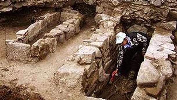 Археолог и скелет вампира