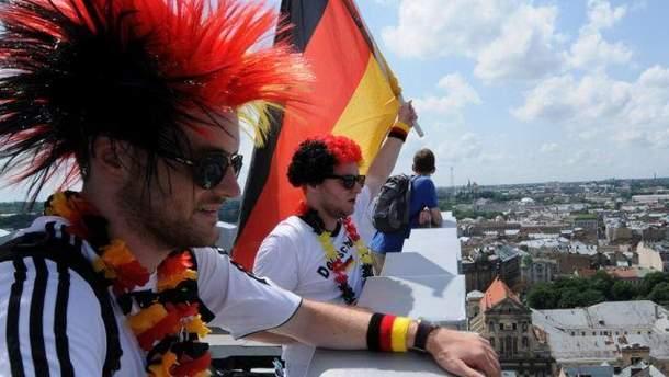Во Львове болельщики ходили в национальной атрибутике
