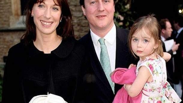 Дэвид Кэмерон с женой и дочерью Нэнси