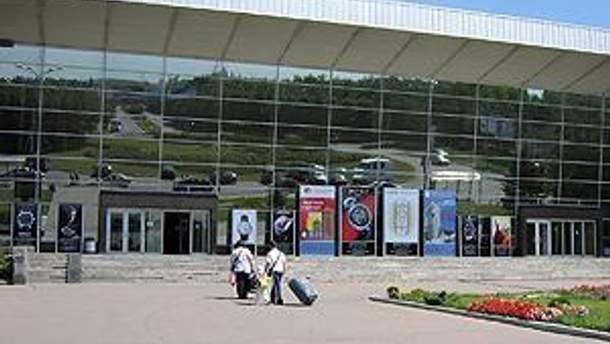 Входная группа донецкого аэропорта