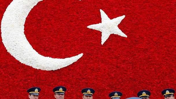 Турецьких офіцерів шантажували за допомогою повій