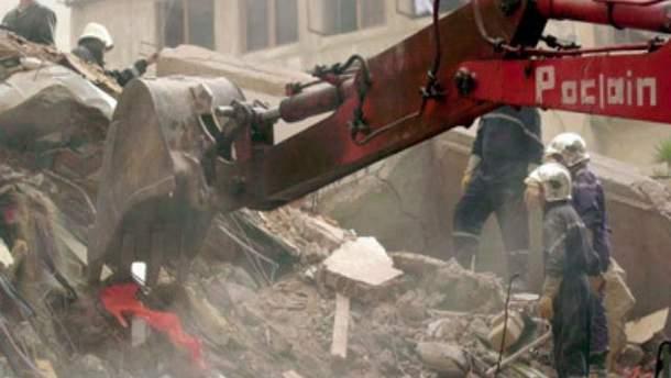 Обвалення 11-поверхової будівлі