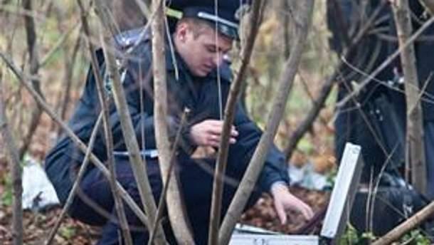 Милиция на месте, где нашли тело Мазурка