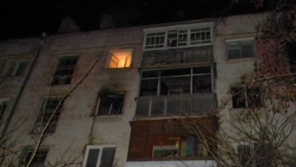 У Чернігові жінка спровокувала пожежу, бо забула обід на плиті (Фото)