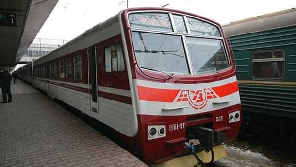 Поезд пригородного сообщения