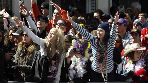 Во время карнавала в США неизвестный устроил стрельбу