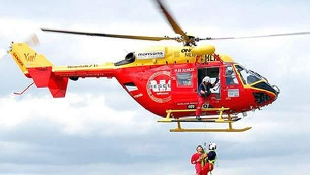 Вертоліт із рятувальниками