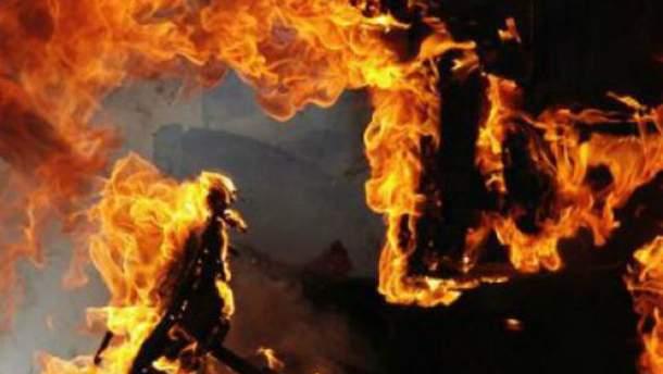 В Одессе горела маршрутка с пассажирами (Видео)