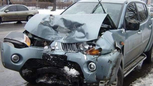 Позашляховик після аварії
