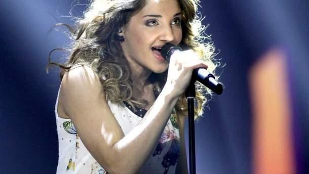 """Представниця Австрії на """"Євробаченні-2013"""" показала свій концертний костюм (Фото. Відео)"""
