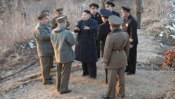 Ким Чен Ын с военными