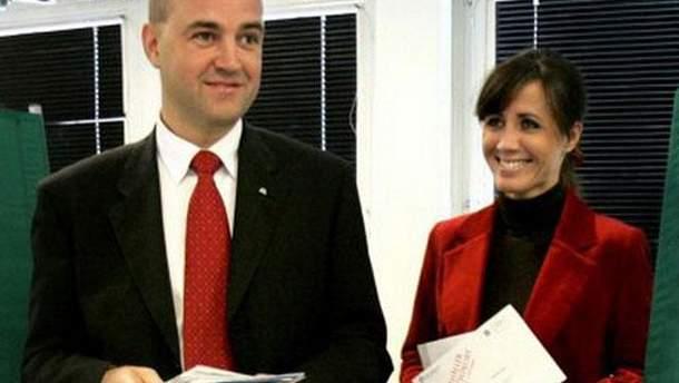 Шведский премьер-министр Фредрик Райнфельдт с экс-супругой