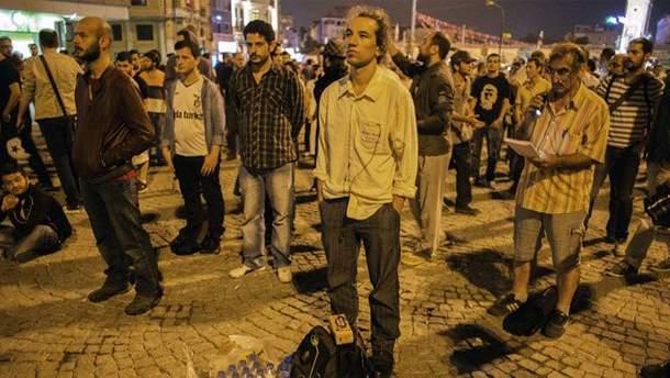 Молчаливые протесты в Турции