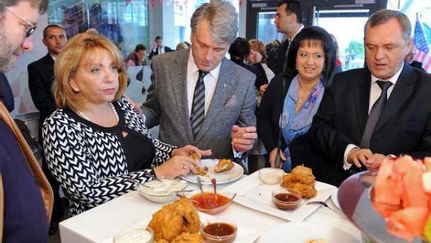 Віктор Ющенко скуштував курятини