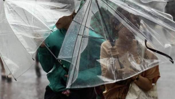 Сильний дощ в Японії