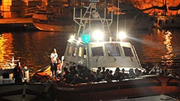 Рятувальни допомагають постраждалим