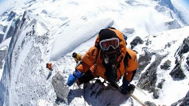 Альпинисты покоряют Эверест