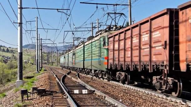 Товарний потяг