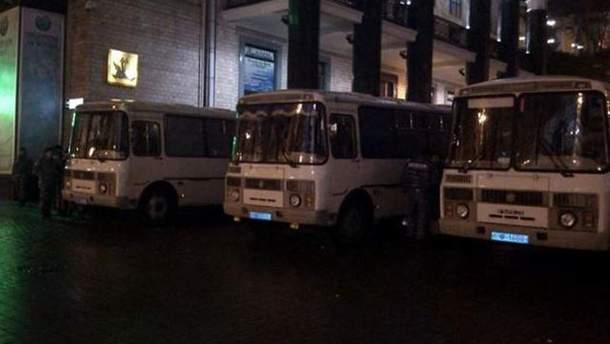 """Автобусы с """"Беркутом"""""""