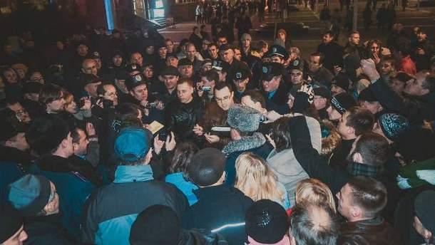 Учасники Дніпропетровського Євромайдану