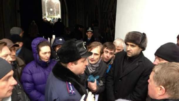 Возле Михайловского собора