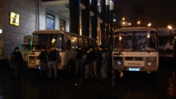 Люди припускають розгін майдану і у Львові