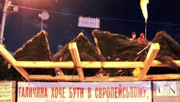 Барикади навколо Майдану Незалежності