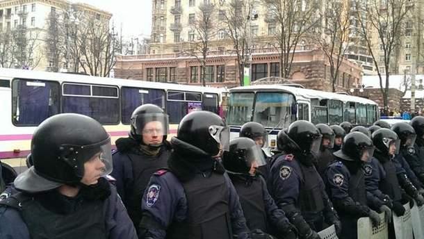 Правоохоронці перекрили вул. Грушевського