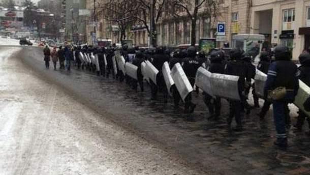 Еще полсотни правоохранителей движутся в сторону Майдана
