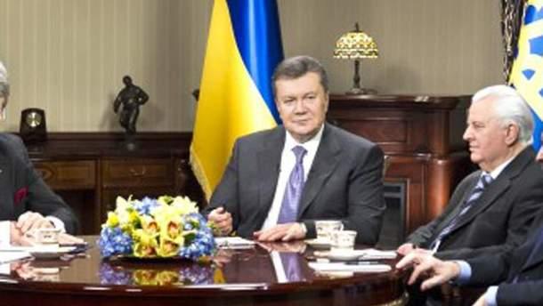 Янукович на встрече с предшественниками