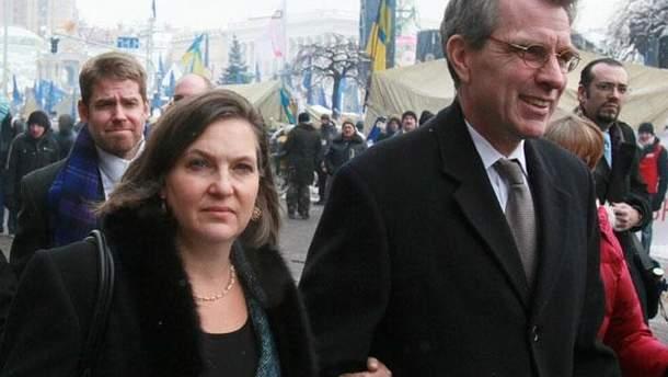 Вікторія Нуланд і Джефрі Пайєтт