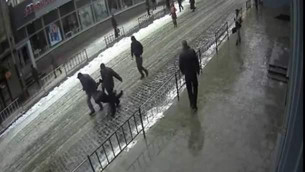 Во время задержания Олега Панаса волокли коленями по асфальту