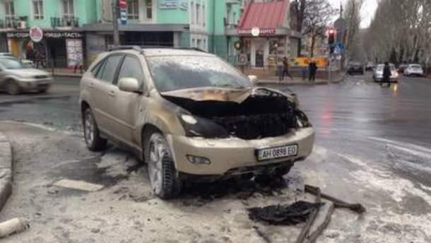 Згорів Lexus