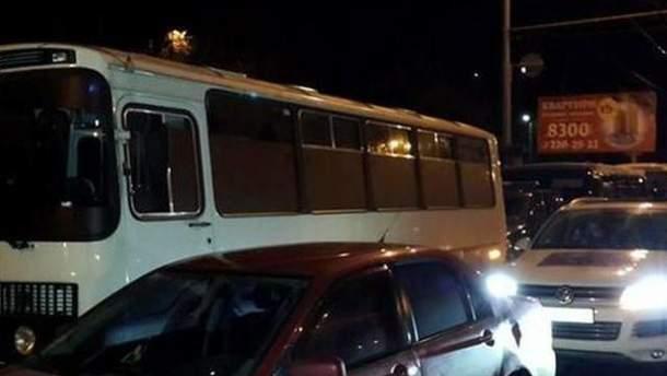 Заблокований автобус