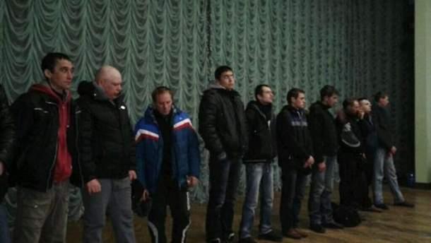 Допрос задержанных в Доме профсоюзов