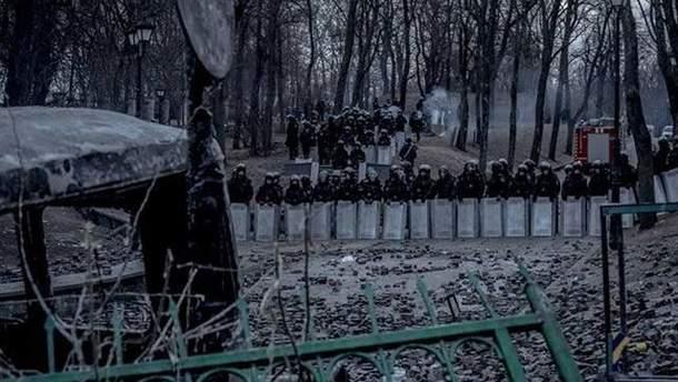 Силовики на Грушевського