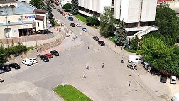 Площадь Героев Евромайдана (Площадь Искусств)
