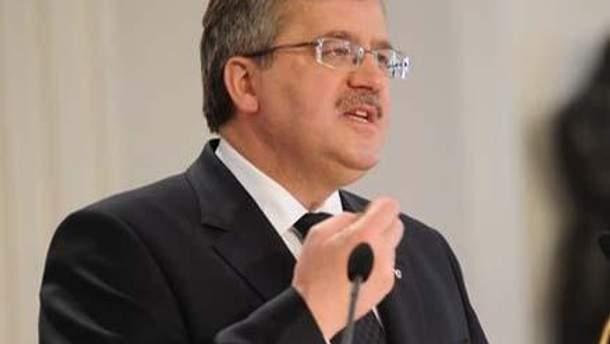 Коморовський: санкції висять на волосині