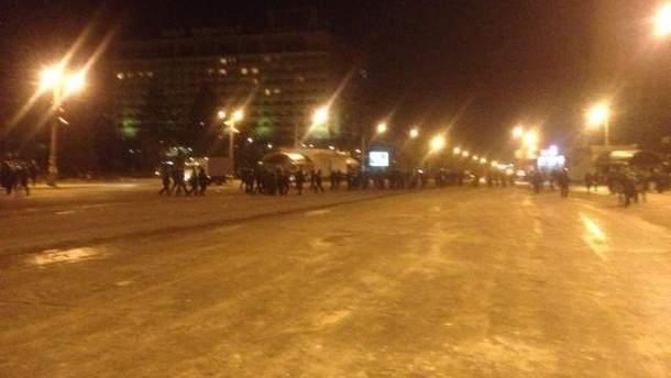 """У Запоріжжі """"тітушки"""" з міліцією зачистили Євромайдан"""