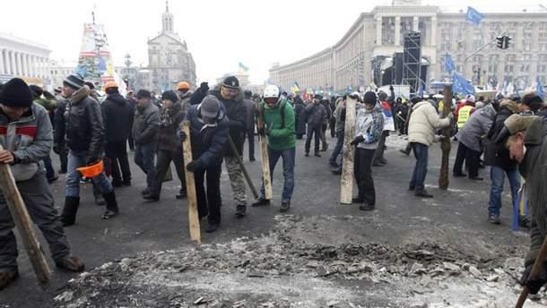 Уборка на Майдане