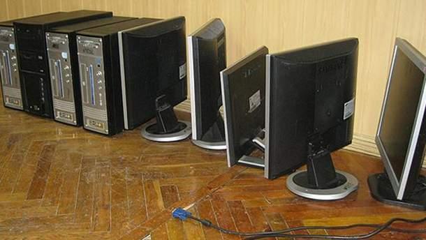 Компьютеры, которые изъяла милиция