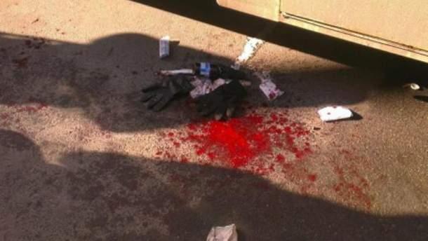 Кровь протестующих возле автозака
